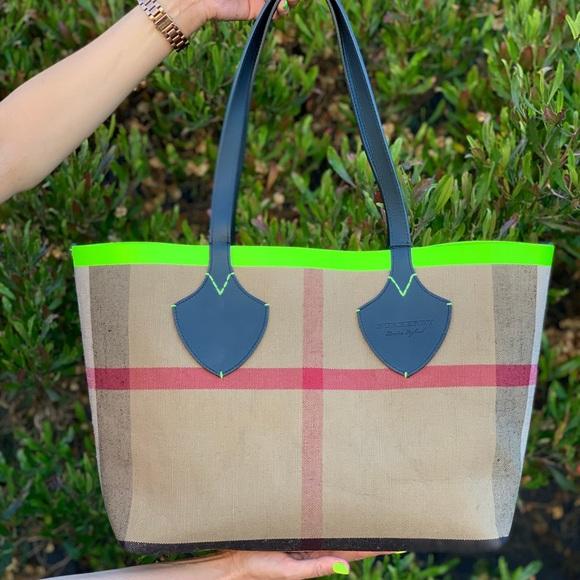 Burberry Handbags - Burberry LG Canvas Neon Trim Reversible Tote